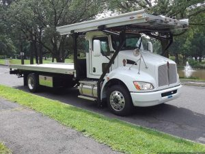 Click on the picture to see additional pictures of this truck